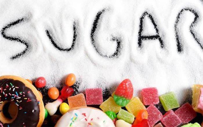 Bệnh đục thủy tinh thể nên hạn chế ăn thực phẩm chứa nhiều đường