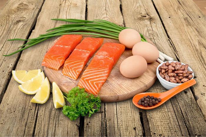 Người mắc bệnh lý về tim mạch nên đặc biệt lưu ý chế độ ăn uống