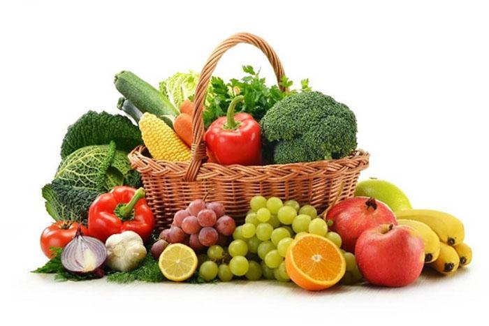 Người mắc bệnh lý tim mạch nên bổ sung nhiều rau xanh và trái cây