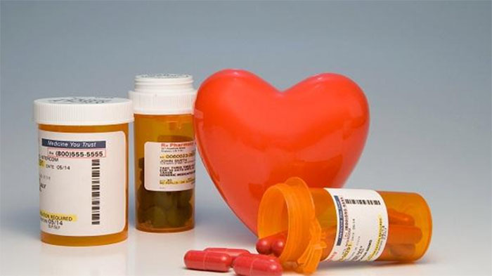 Sử dụng thuốc giảm nhịp tim là phương pháp được áp dụng phổ biến hiện nay