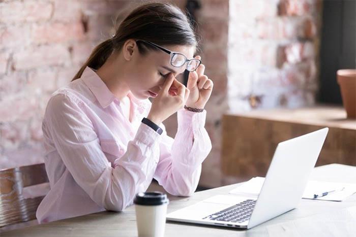 Mỏi mắt là tình trạng mà nhiều người thường xuyên gặp phải
