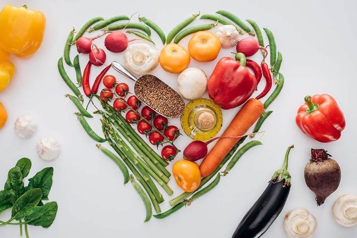 Nhiều loại rau xanh và trái cây rất tốt cho hệ tim mạch