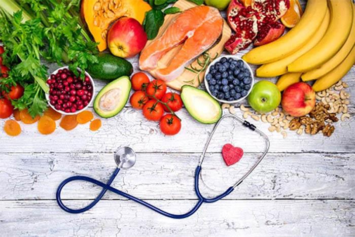 Điều chỉnh chế độ ăn uống khoa học giúp hỗ trợ làm tan cục máu đông hiệu quả